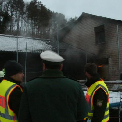 Der Brand konnte auf die überdachte Terrasse begrenzt werden