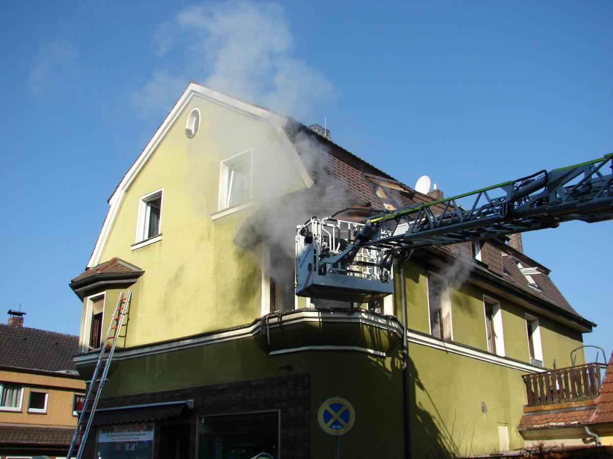 Der Brandort befand sich in der eng verbauten Bahnhofstraße